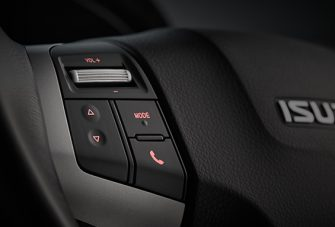 dmax-2015-ls-interior-audio-control