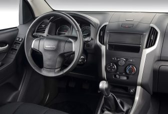 dmax-2015-ls-interior-dashboard