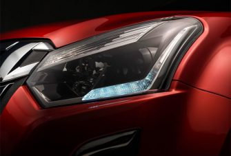 dmax-exterior-new-projector-headlamps-w-led-daytime-running